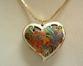 Vintage Necklace Floral Cloisonne Heart Pendant Goldtone with Chain, Excellent Condition, Womens Jewelry