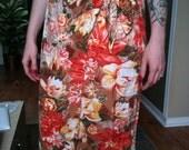 SALE// Vintage Hawaiian floral print sarong skirt