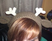 crochet deer slouchy hat with ears and antlers.