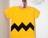 The Chuck - Made to Order Peanuts inspired gold T with black zigzags - sweetpeaalamode