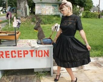 Vtg 50s Black Cotton Sun Dress / Pleated Skirt / Black Lace / Bombshell