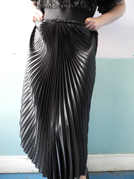 Vtg Accordian Pleated Maxi Skirt / Uber Glam / Bombshell