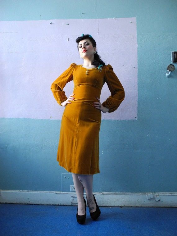 Vtg 60s Gold Velvet Dress / Poof Puff Sleeve / Bombshell