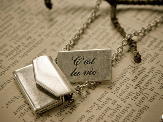 That's Life Envelope Necklace in vintage style with words in French