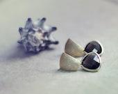 FALL fashion matte golden geometric posts smokey quartz drops gemstone earrings everyday jewelry israel