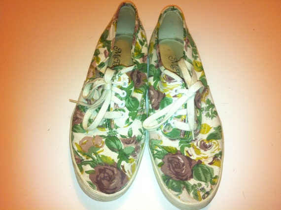 "Vintage Ms. Pro ""Billy"" Canvas Tennis Shoes FLORAL Size 8.5"