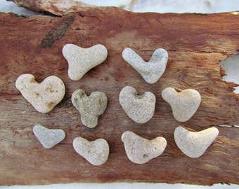 10 pcs. Tiny Natural Heart Shaped Stone. Sea Heart Beach Favors Art Deco and Crafts Supply. Israel gifts
