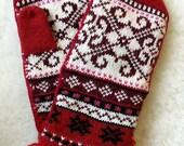 Norwegian Scandinavian hand crafted 100% Wool Mittens, folk art, Small