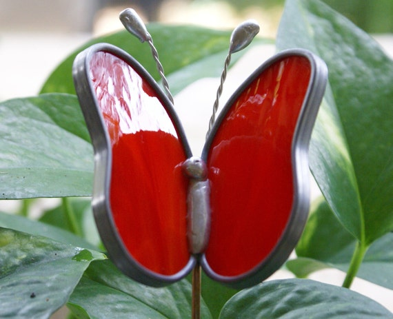 Stained Glass Red Wispy Opalescent Butterfly Garden Plant Stake