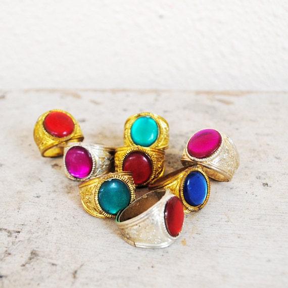 Vintage Arabian Jewel Ring in Green & Gold