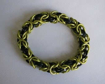 "Yellow and black ""Hufflepuff"" byzantine chain mail bracelet"