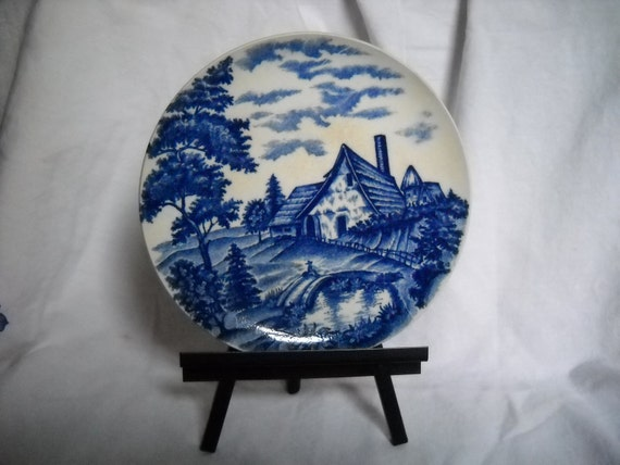 Plate, Japan Blue & White With Metal Easel, Old Japan, 6 and one-fourth inches wide