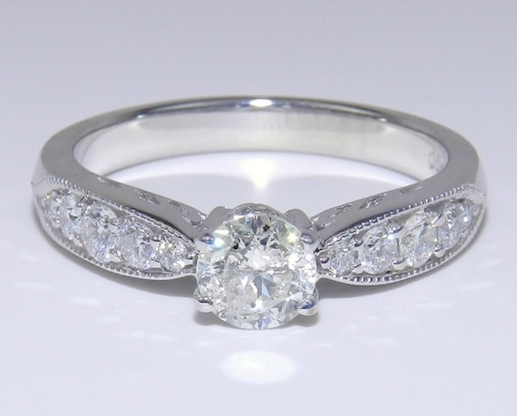 14K White Gold Traditional Round Brilliant Diamond Engagement Ring