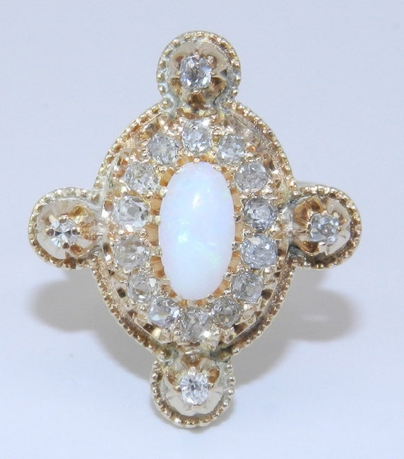 Antique Estate Vintage 14K Yellow Gold Diamond & Opal Cocktail Ring