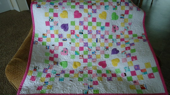 Baby Nines Pink Machine Blanket Stitch Appliqued and pieced Quilt 42 inch square