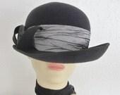 Black Felt Hat with Grey Silk Ribbon Trim