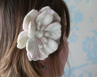 "Spring wedding accessory,beautiful bridal hair clip, hair slide, felted flower accessory ""pale daisy"", can be custom made to order"