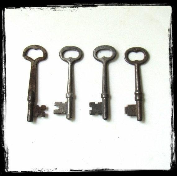 Skeleton Keys Vintage Home Decor