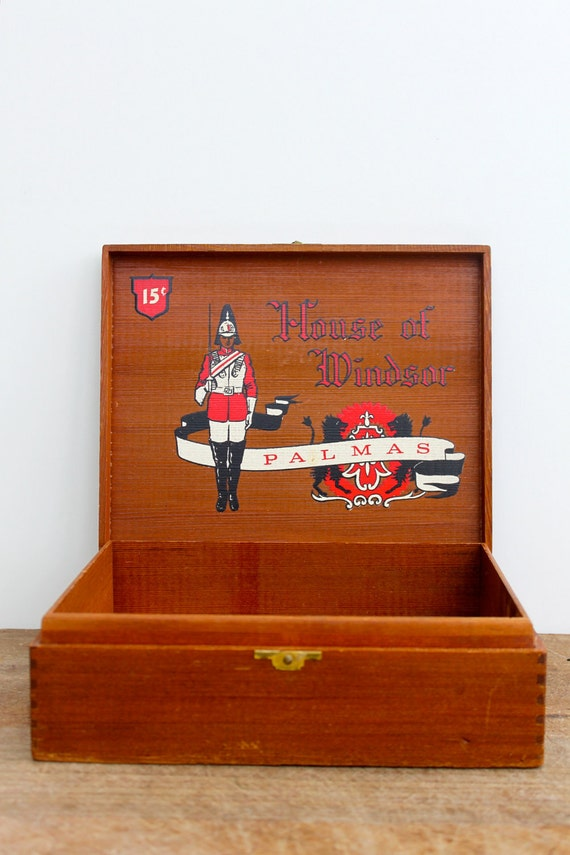 Vintage wooden cigar box - Free shipping in USA