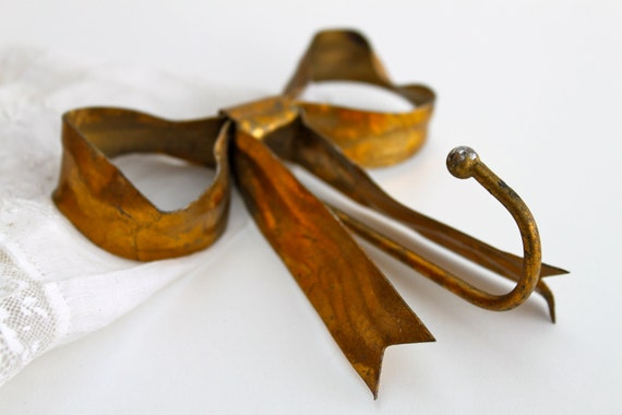 Vintage  Bow Metal Hook - Free shipping in USA