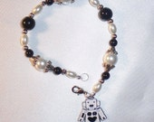 Bracelet, Black and White, Robot Charm made by Lavender Daisy on Etsy