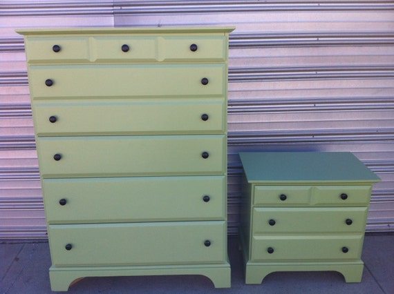 Beautiful Bassett dresser and matching nightstand - FREE DELIVERY in Los Angeles Area