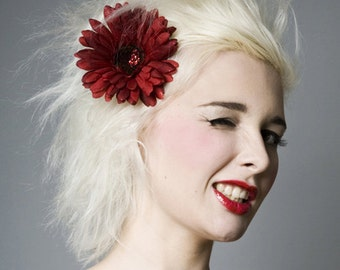 Now, Voyager Red Glitter Gerber Daisy Hair Clip