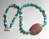 Blue mother-of-pearl and pink rhodonite necklace