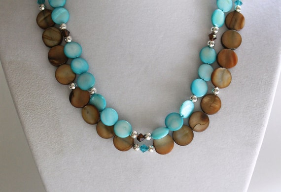 Blue and brown mother-of-pearl 2-stranded necklace with Swarovski crystals