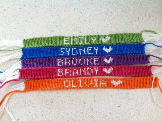 how to make bracelets out of string with names