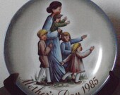 """Hummel Mother''s Day Plate 1985 - A Mother'""""s Journey"""