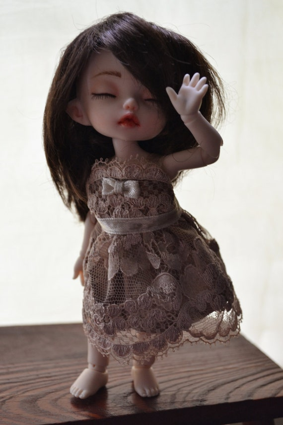 Pukifee BJD dress gold/cream lace with waistband and bow