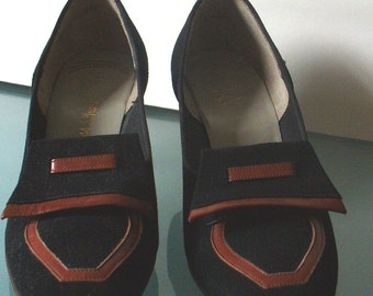 Vintage Red Cross Shoes Size 4 B