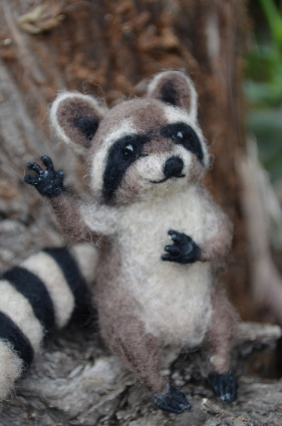 Mr. Mapache - Raccoon - My dear little friend - Needle felted animal, red fox animal, figure of collection ready to ship