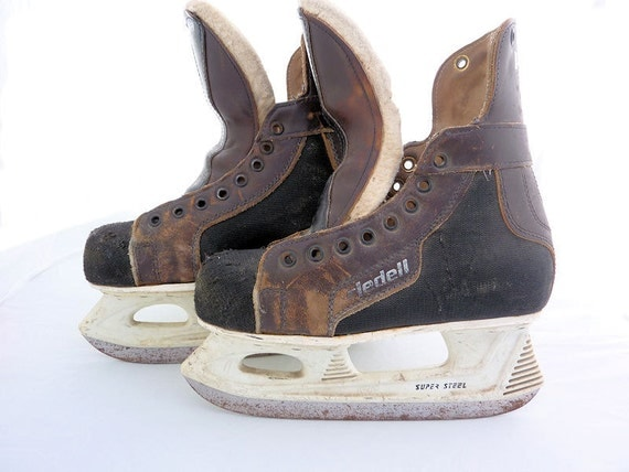 Retro Riedell Hockey Skates, Boys