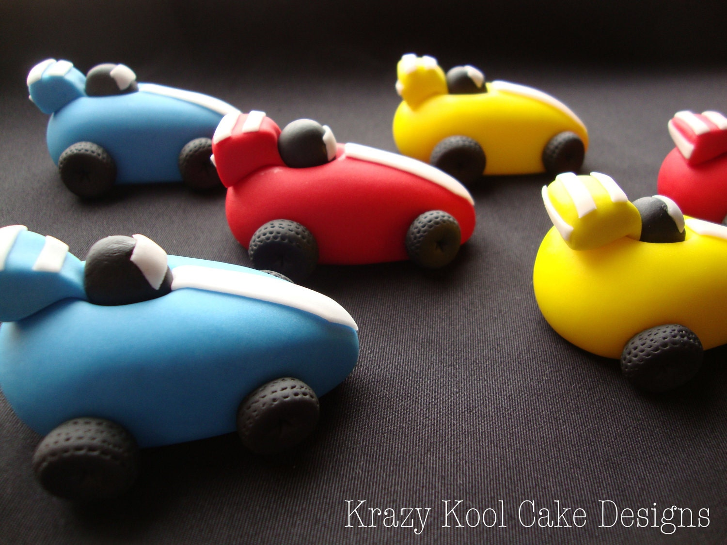Cake Decorating Racing Car : Race Car Cake Toppers