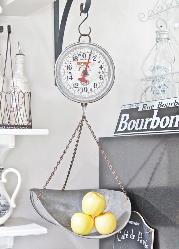 Vintage hanging kitchen scale farmhouse fresh produce for Rustic kitchen scale