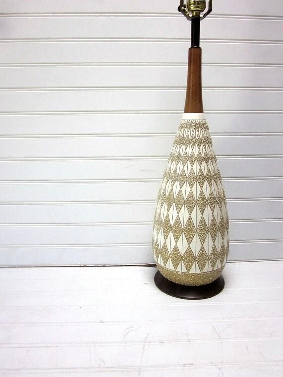 Vintage Mid Century Danish Modern Diamond Pattern Ceramic Teak Wood Lamp