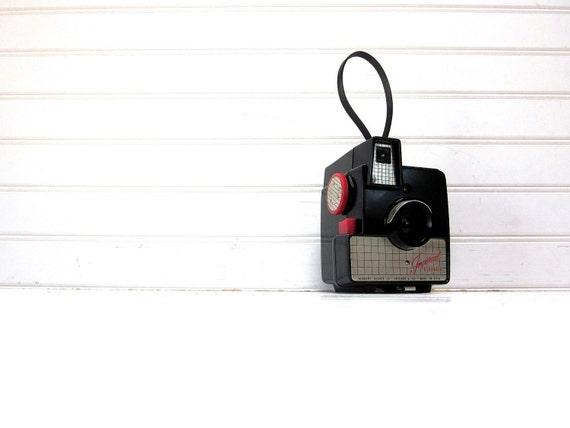 SALE Vintage Camera Imperial Debonair Red and Black 620 Camera