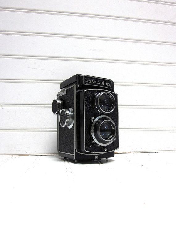 Vintage Camera Yashica Yashicaflex A-II - Twin Lens Reflex TLR Camera