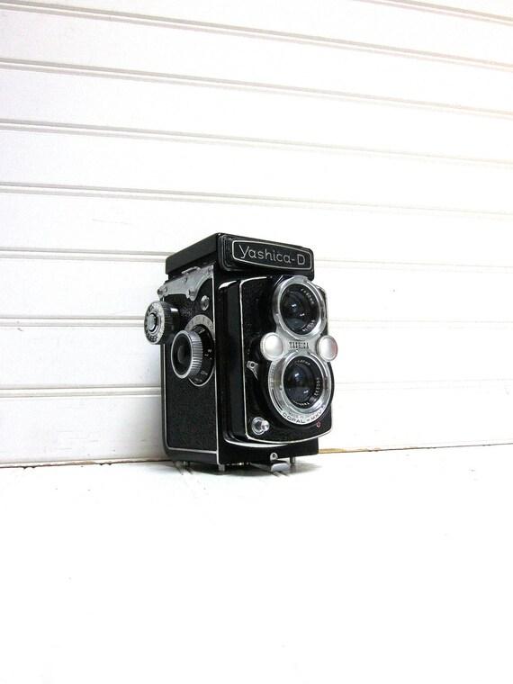 Vintage Camera Yashica D TLR Medium Format Twin Lens Reflex Camera