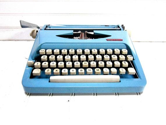 Vintage Typewriter Baby Blue Royal Parade Portable Typewriter