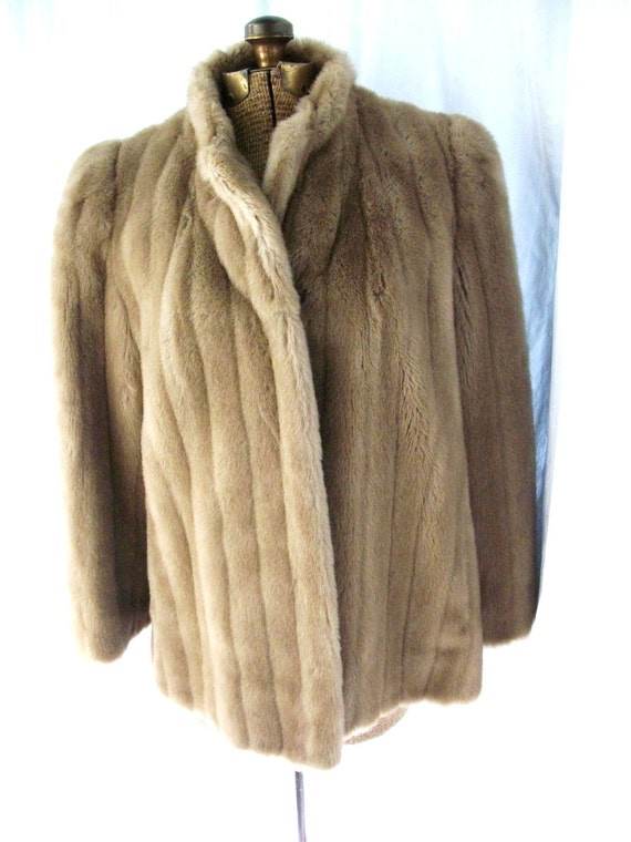 LUXURY Intrigue by De Ball MINK Faux Fur Champagne Satin Lined Fluffy Jacket Vintage