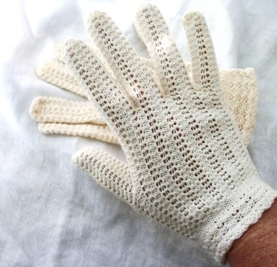 Vintage Romantic Crocheted Ivory White Gloves Bohemian Chic Bride
