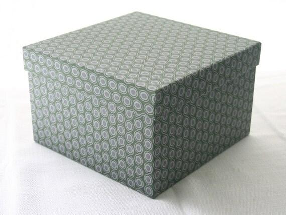 Medium square decorative box