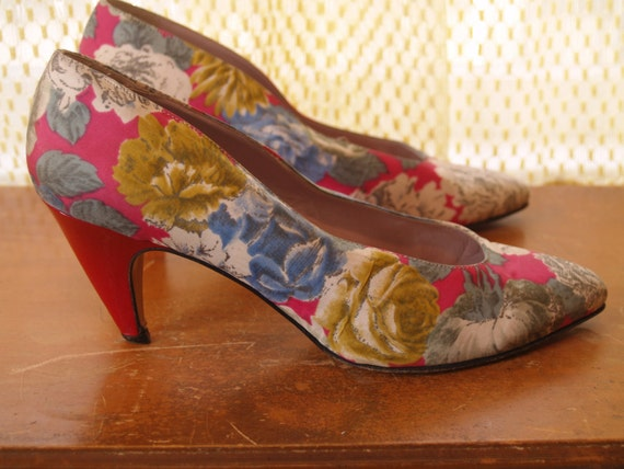 1980s 1990s Floral High Heel Shoes - Neon Pink and Red Pumps - Made in Italy - Size 9