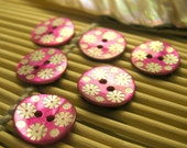 Sweet Pink Painted Agoya Shell Buttons with White Flower Pattern (x6 pcs) 15mm L2001