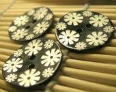 Metallic Black Painted Agoya Shell Buttons with White Flower Pattern (x3 pcs) 22.5mm L2003