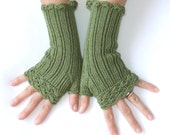 """Cotton Fingerless Gloves  """" Lacy Style""""  -   50 % Cotton - 50  Acrylic - Green"""