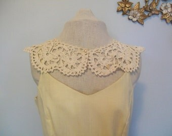 SALe Vintage Crochet Peter Pan Collar